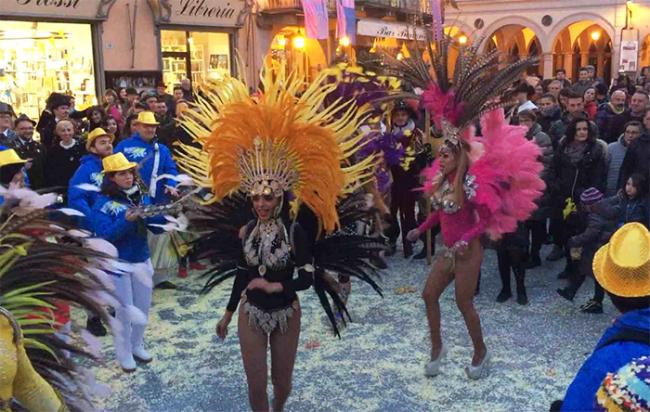 carnevale domo brasiliane balli piazza sera 18
