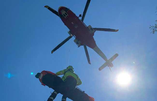 elicottero verricello salita barella luce