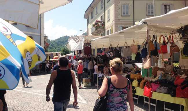mercato domo spalle piazza tibaldi