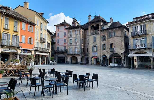 piazza mercato giorno vuota covid