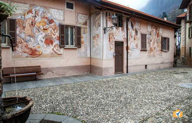 piazzetta affreschi