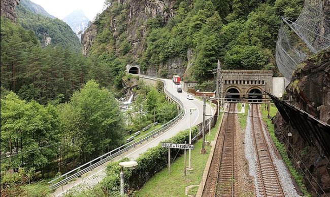 traforo tunnel sempione galleria iselle treni