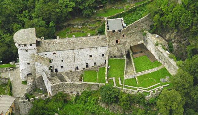 vogogna castello vista alto